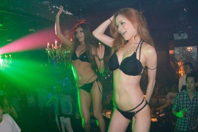【おっぱい】クラブでハッチャけるパーティーピーポーのおっぱいがエロすぎる【30枚】 24