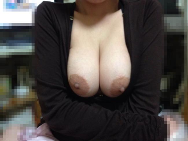 【おっぱい】これなら抱ける!スタイルのいい淫乱熟女のおっぱいがエロすぎる!【30枚】 29