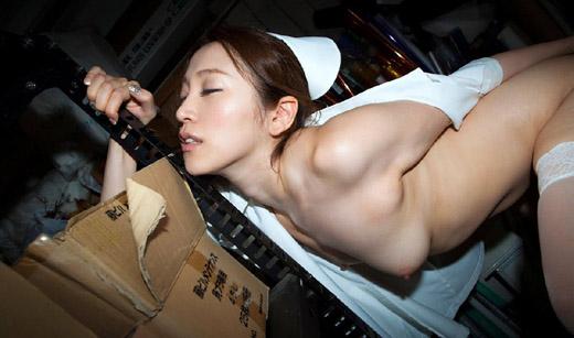 【おっぱい】白衣の天使ナースさんのご奉仕準備万端なおっぱいがエロすぎる【30枚】 08