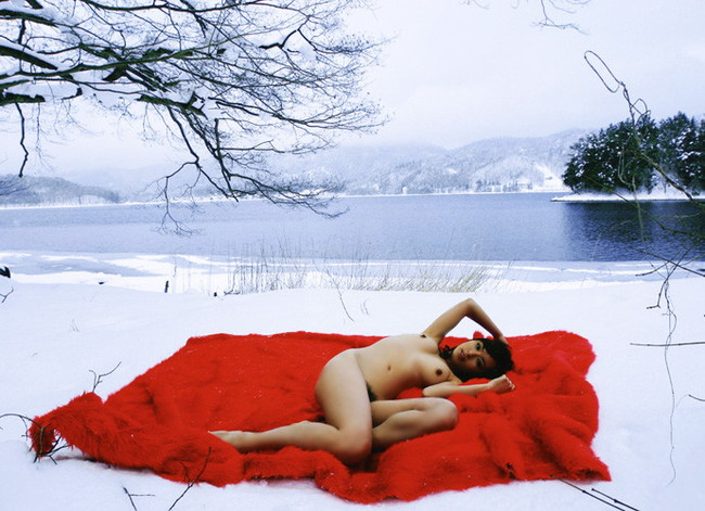【おっぱい】冬の女の子のおっぱいは美しくてエロすぎる!【30枚】 24