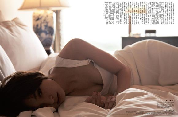 【おっぱい】どんどんと過激になる篠田麻里子のおっぱいがエロすぎる【30枚】 07