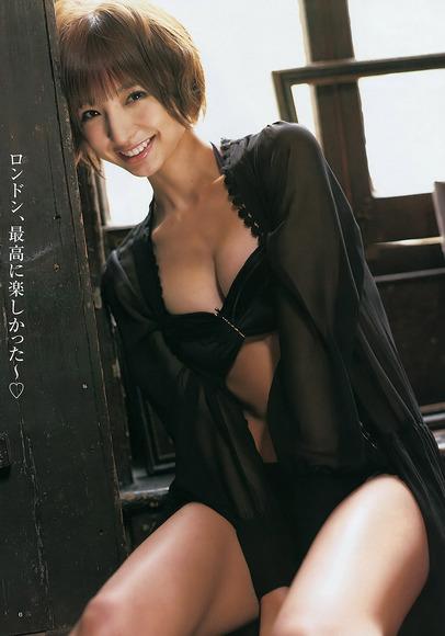 【おっぱい】どんどんと過激になる篠田麻里子のおっぱいがエロすぎる【30枚】 11