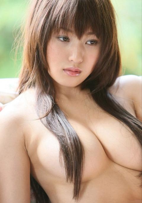 【おっぱい】ロングヘアで隠された乳首が妙にエロすぎる【30枚】 18