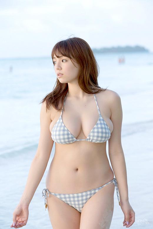 【おっぱい】歌手としても活躍する篠崎愛の超やわらかそうなおっぱいがエロすぎる【30枚】 29