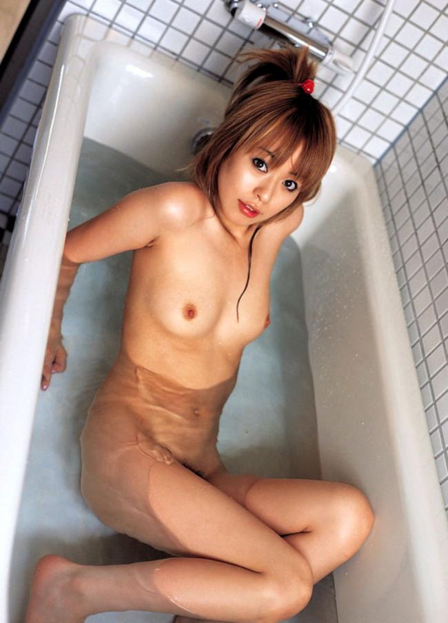 【おっぱい】毎日拝みたいほどお風呂で拝むおっぱいが癒される上にエロすぎる【30枚】 25