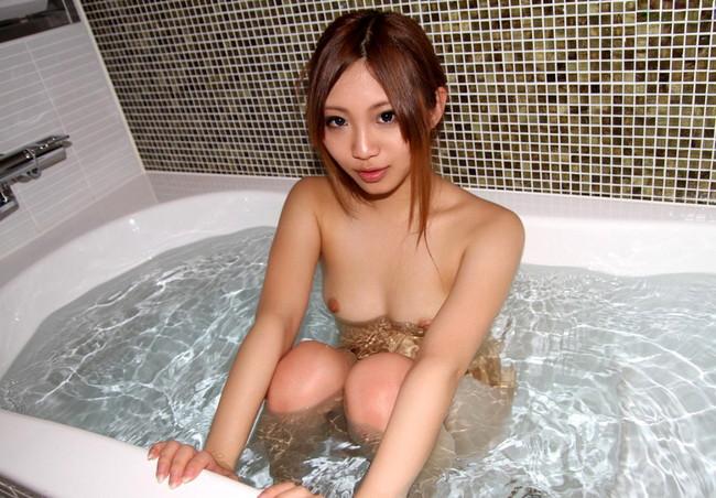 【おっぱい】毎日拝みたいほどお風呂で拝むおっぱいが癒される上にエロすぎる【30枚】 30