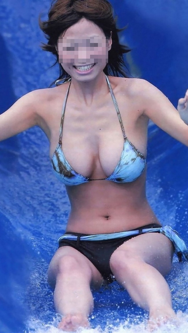 【おっぱい】夏に向けての予習!水着姿のギャルたちのおっぱいがエロすぎる【30枚】 18
