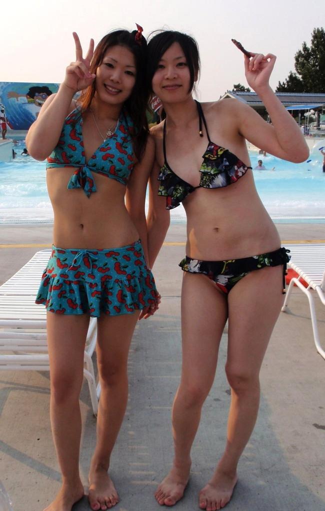 【おっぱい】夏に向けての予習!水着姿のギャルたちのおっぱいがエロすぎる【30枚】 27