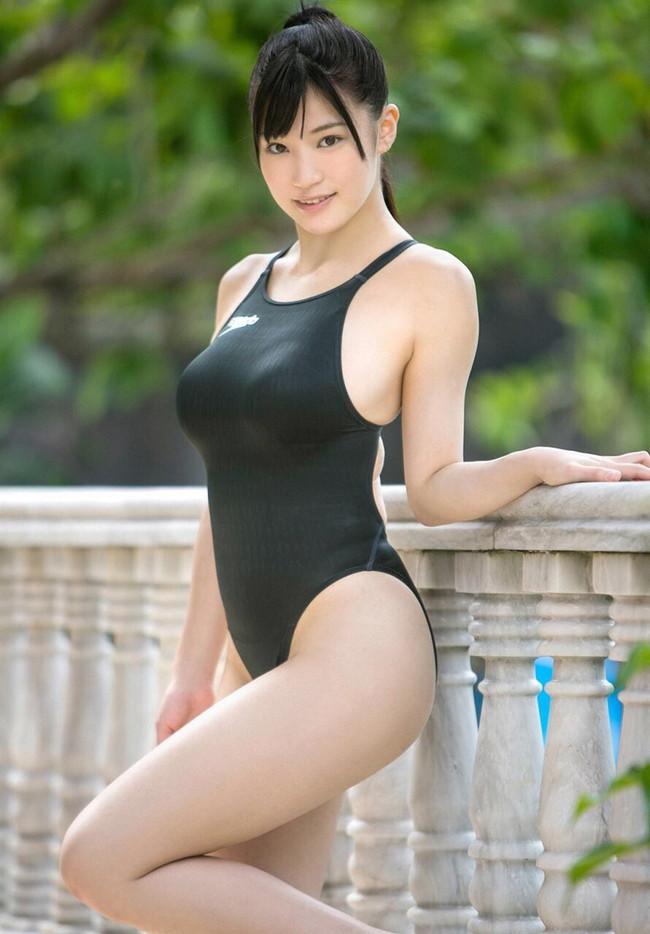【おっぱい】夏の訪れを感じるおっぱいが強調された水着美女がエロすぎる【30枚】 21