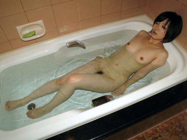 【おっぱい】1日の終わりに美女とお風呂なんていかが?おっぱい丸出しで一緒に入ってくれる美女がエロすぎる【30枚】 10
