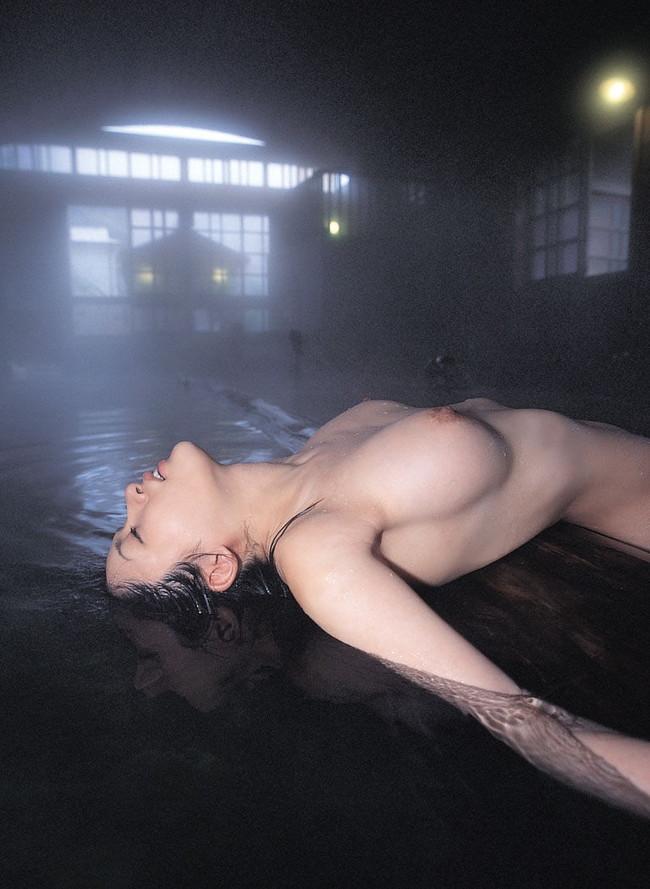 【おっぱい】水も滴るいい女!お風呂で綺麗になったおっぱいがエロすぎる【30枚】 10