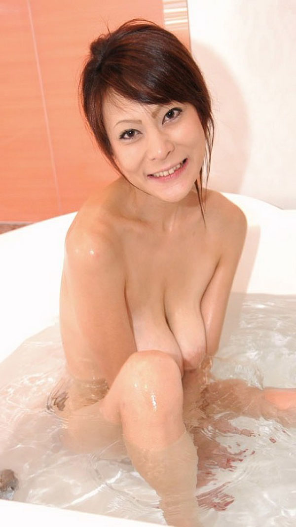 【おっぱい】今日はソープにいくことにしよう!お風呂場でおっぱいを洗っちゃたくなる女の子がエロすぎる【30枚】 08