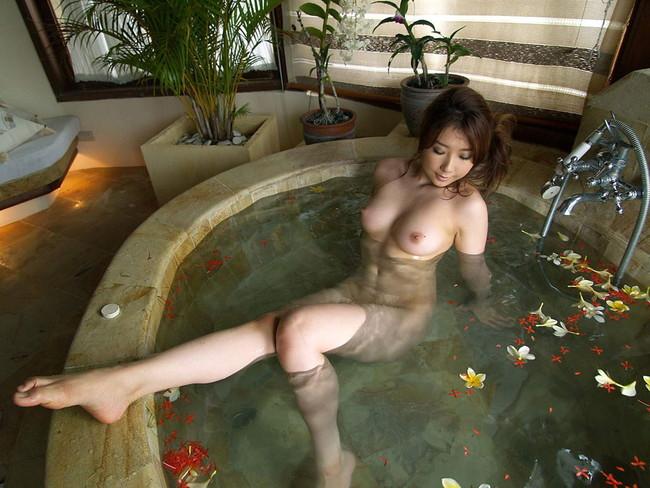 【おっぱい】今日はソープにいくことにしよう!お風呂場でおっぱいを洗っちゃたくなる女の子がエロすぎる【30枚】 20