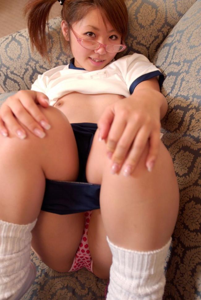 【おっぱい】貧乳のおっぱいが巨乳にはないエロスが満載でエロすぎる【30枚】 25