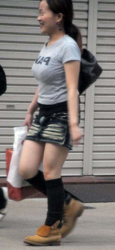 【おっぱい】街中で見かけた着衣のお姉さまがたのおっぱいがエロすぎる!【30枚】 04