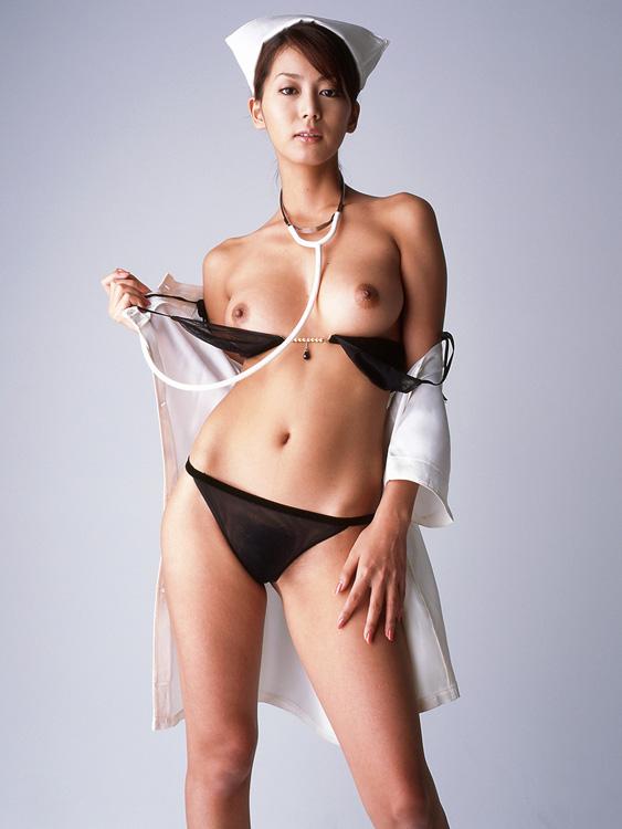 【おっぱい】ナース服に身を包んだ看護婦さんのおっぱいがエロすぎる!【30枚】 20