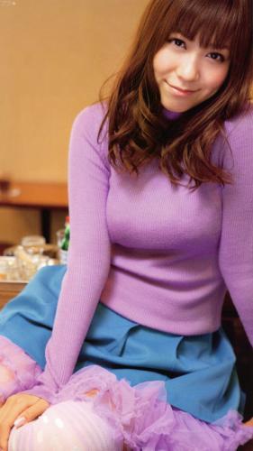 【おっぱい】着衣の上からでも分かるおっぱいがエロイと噂! 29