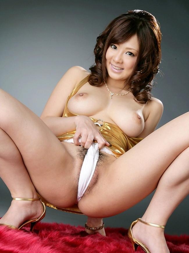【おっぱい】綺麗なおっぱいさらしながらM字開脚してる女のエロ画像 06