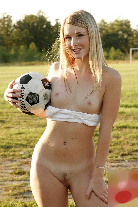 【貧乳 乳首】貧乳女子やちっぱりロリ美少女のほうが乳首がコリコリ勃起してて巨乳の女の子よりもエロくてしゃぶり甲斐がある件ww 04