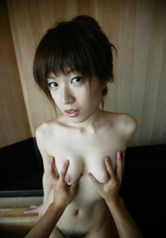 【貧乳 乳首】貧乳女子やちっぱりロリ美少女のほうが乳首がコリコリ勃起してて巨乳の女の子よりもエロくてしゃぶり甲斐がある件ww 18