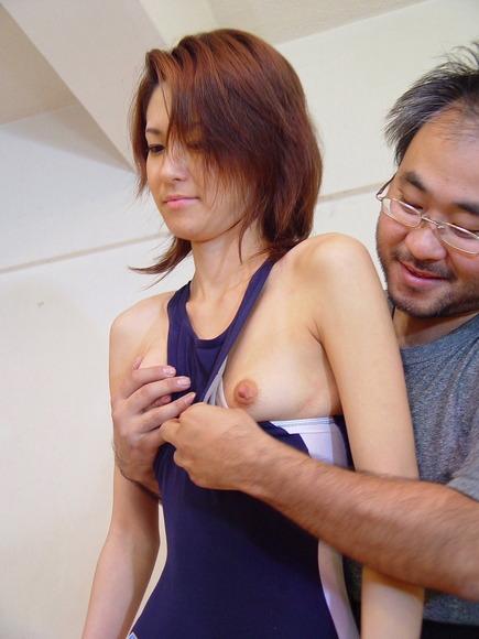 【おっぱい】微乳のほのかな胸のふくらみがたまらなくそそる! 08