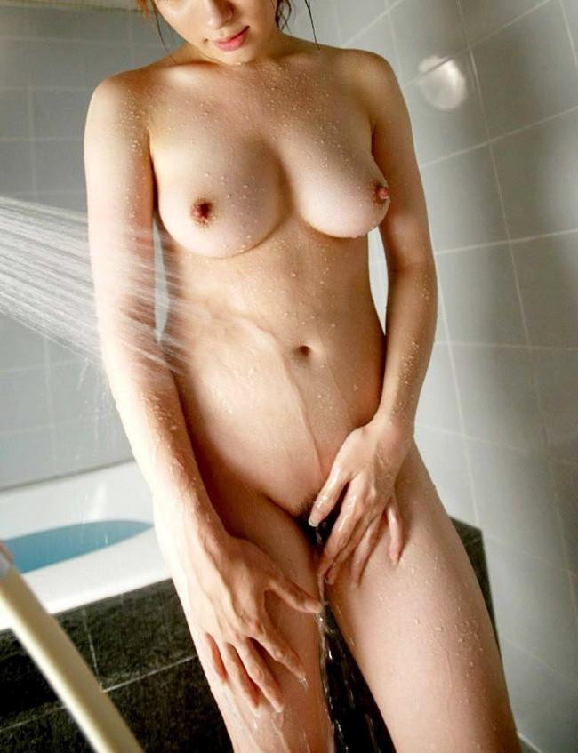 【おっぱい】ぷりぷりしたお肌の女の子たちのシャワー入浴シーンを集めてみた! 12