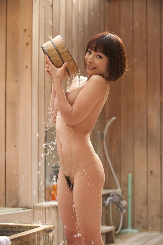【おっぱい】ぷりぷりしたお肌の女の子たちのシャワー入浴シーンを集めてみた! 19