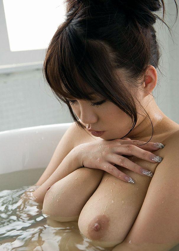 【おっぱい】ぷりぷりしたお肌の女の子たちのシャワー入浴シーンを集めてみた! 22