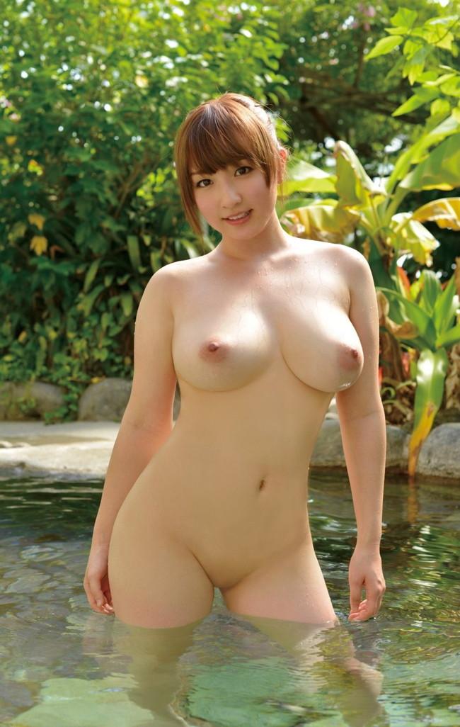 【おっぱい】ぷりぷりしたお肌の女の子たちのシャワー入浴シーンを集めてみた! 24