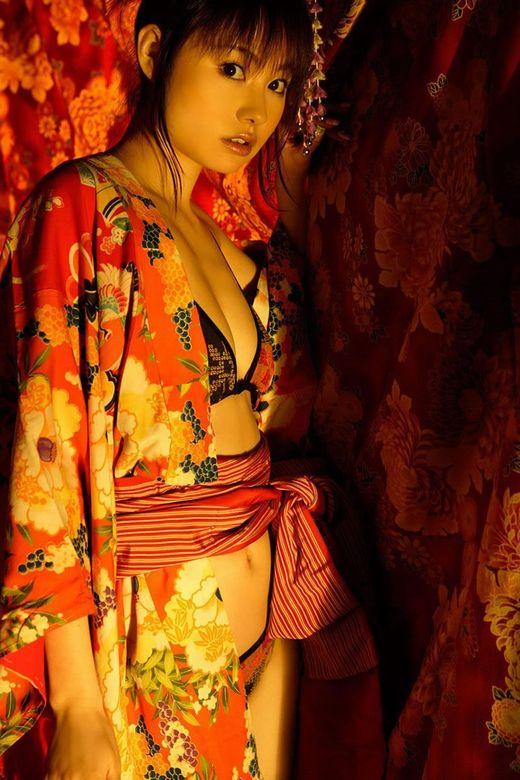 【おっぱい】日本の美!着物の美しさと女性の愛らしさを掛け合わせたらとんでもないことになった! 09