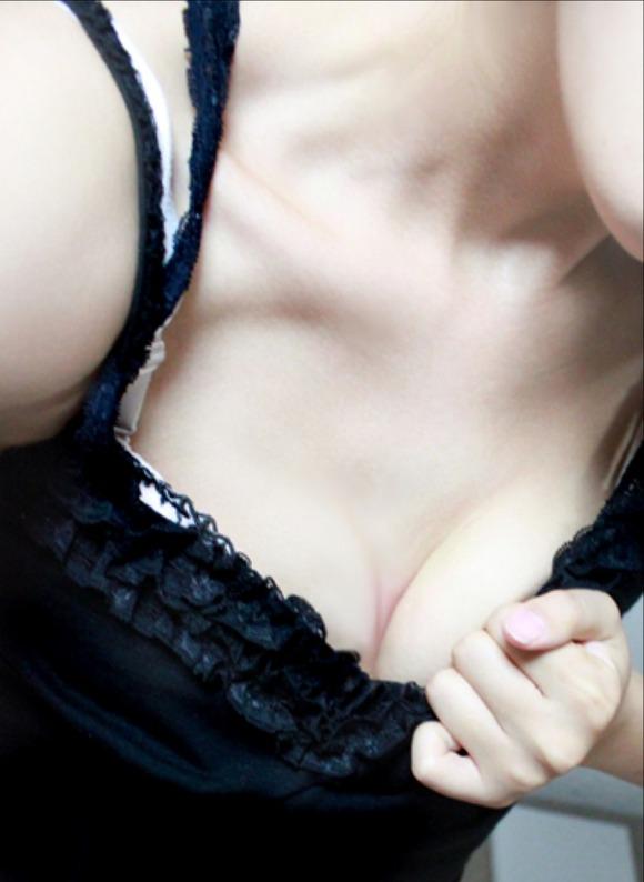 【おっぱい】綺麗に自撮りできるカメラでめちゃめちゃ綺麗な女の子が自分の写真撮っちゃった! 27