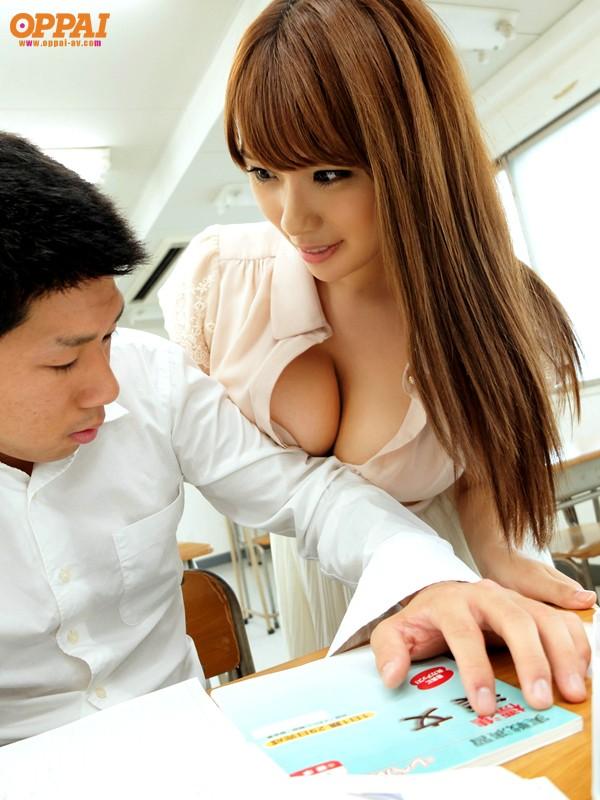 【おっぱい】こんな巨乳な女教師がいたら授業どころじゃないよ!【30枚】 25