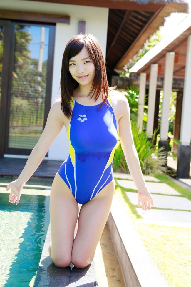 【おっぱい】競泳水着の上からでもおっぱいの形が分かっちゃうエロ画像【30枚】 09