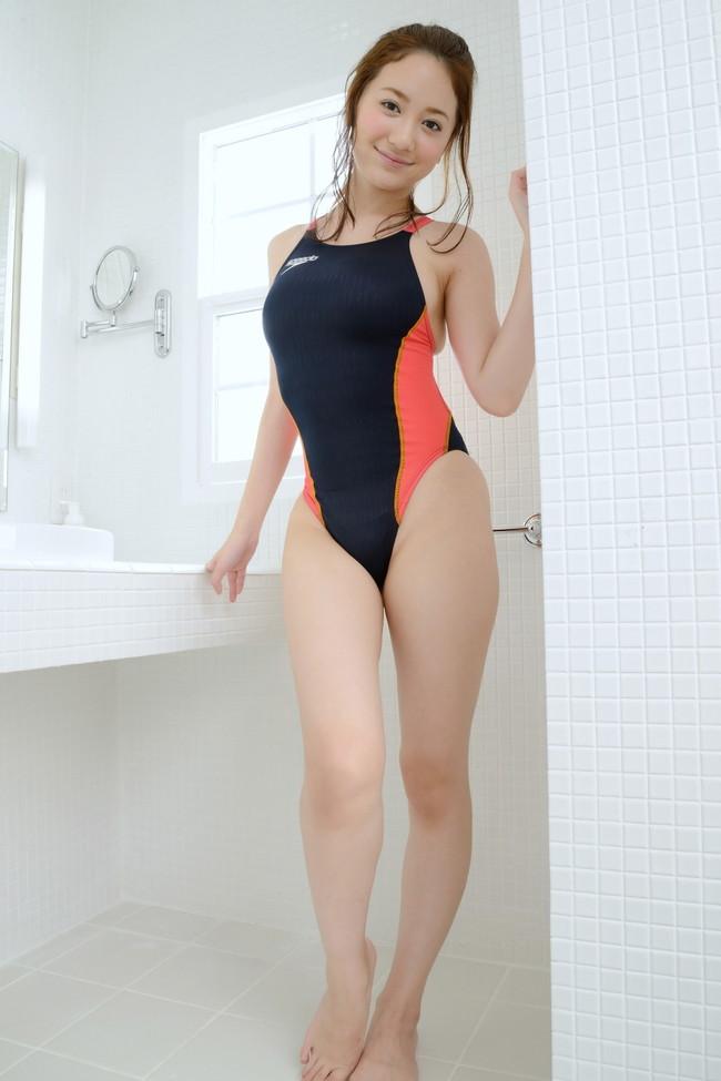 【おっぱい】競泳水着の上からでもおっぱいの形が分かっちゃうエロ画像【30枚】 22