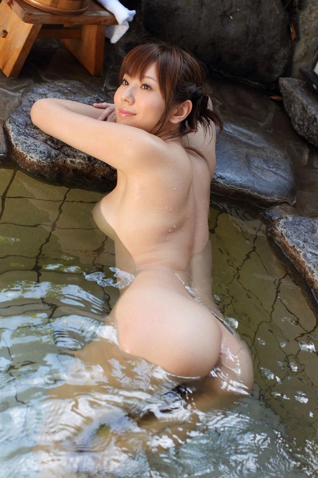 【おっぱい】温泉で見つけたとんでもない爆乳のお姉さん!【30枚】 29