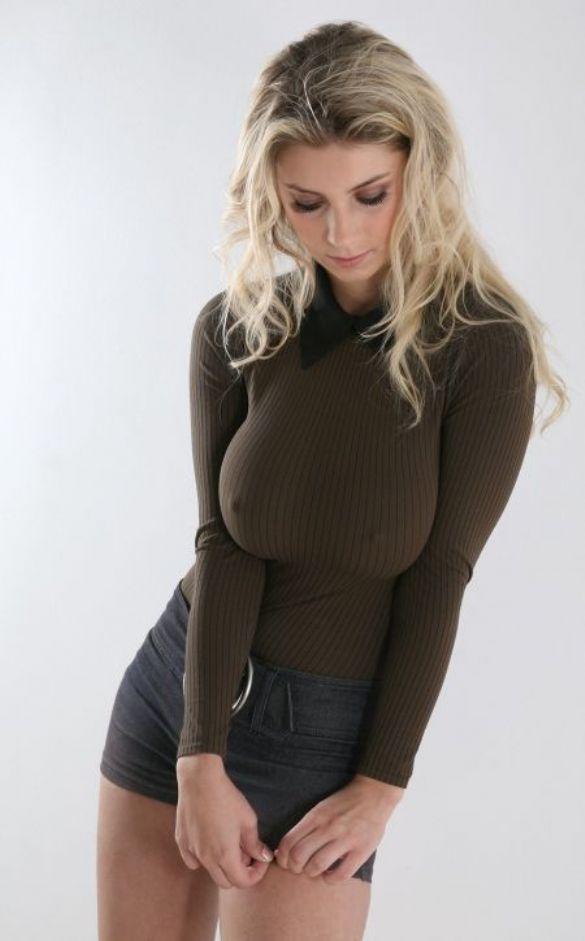 【おっぱい】ニットやセーターの上からでも分かっちゃう巨乳がエロすぎる!【30枚】 19