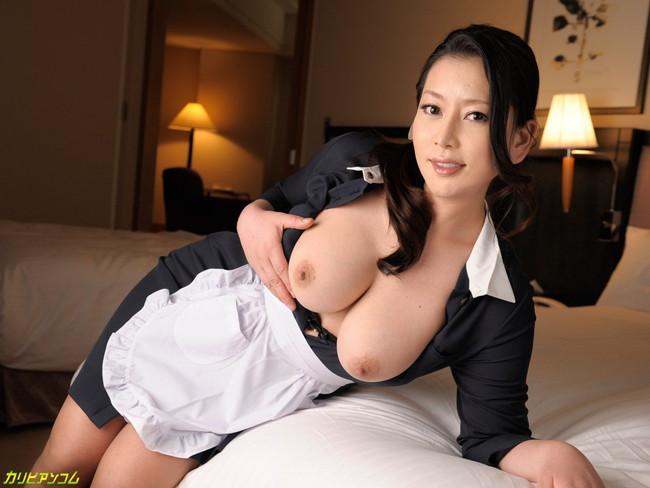 【おっぱい】脂が乗った熟女の巨乳がエロすぎる!【30枚】 09