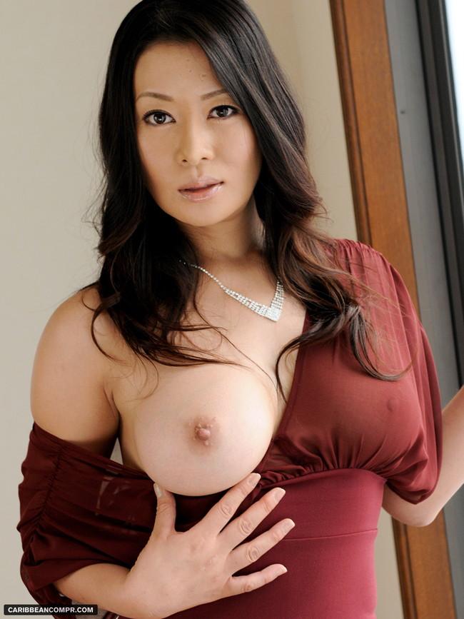 【おっぱい】脂が乗った熟女の巨乳がエロすぎる!【30枚】 24