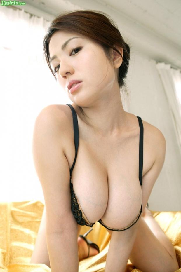 【おっぱい】脂が乗った熟女の巨乳がエロすぎる!【30枚】 29