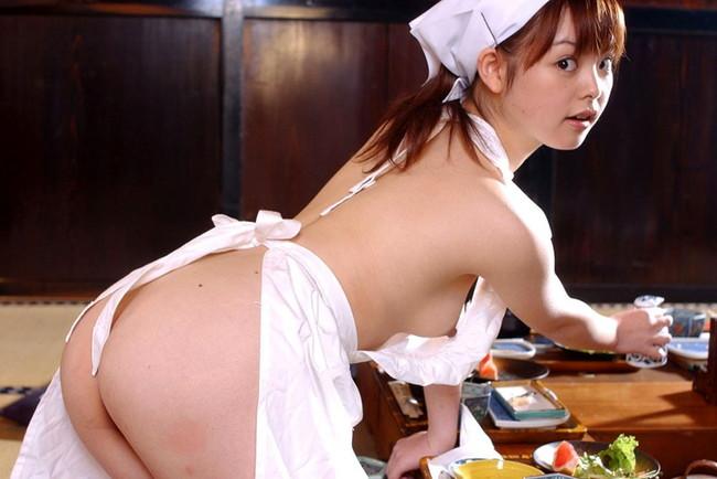【おっぱい】裸エプロンで男性の胃袋と玉袋を掴んでくるスケベな女【30枚】 27
