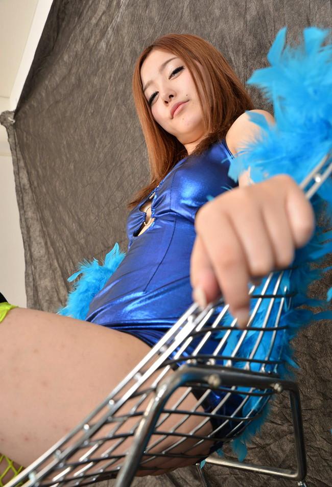 【おっぱい】ボディコン衣装でおっぱいが強調されてるお姉さん!【30枚】 21