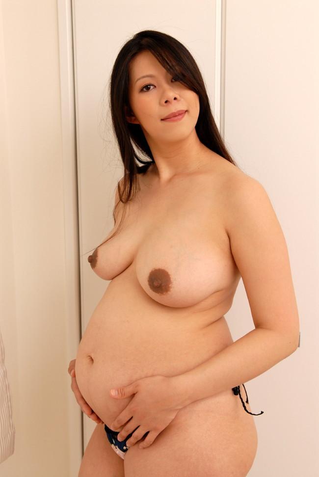 【おっぱい】妊婦さん特有の黒ずんた乳輪がエロすぎるww【30枚】