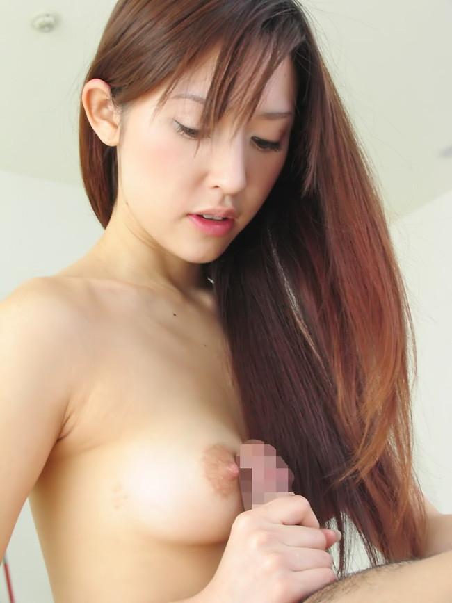 【おっぱい】女性らしいロングヘアーのお姉さんがおっぱい晒してるww【30枚】 04