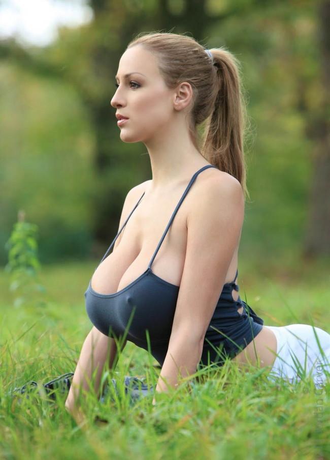 【おっぱい】ロシア系美少女のおっぱいが美しすぎるんだが!【30枚】 05