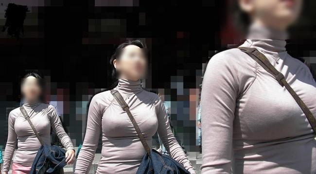 【おっぱい】巨乳のくせに斜めがけバッグでおっぱい強調しちゃうスケベ女ww【30枚】 26