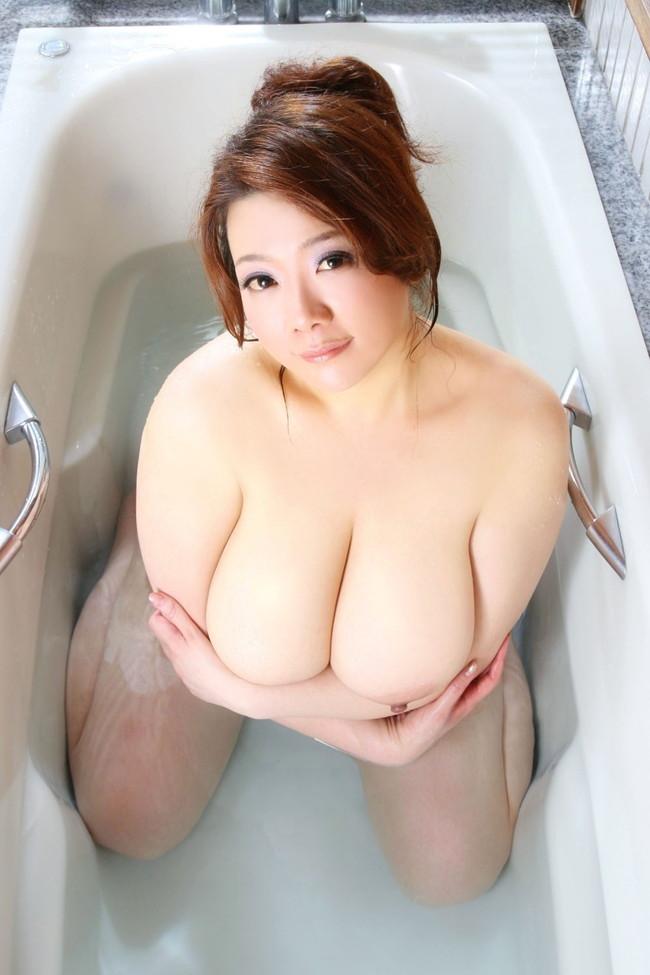 【おっぱい】かなり脂肪がくっついてしまっているファットな女性のエロ画像!【30枚】 03