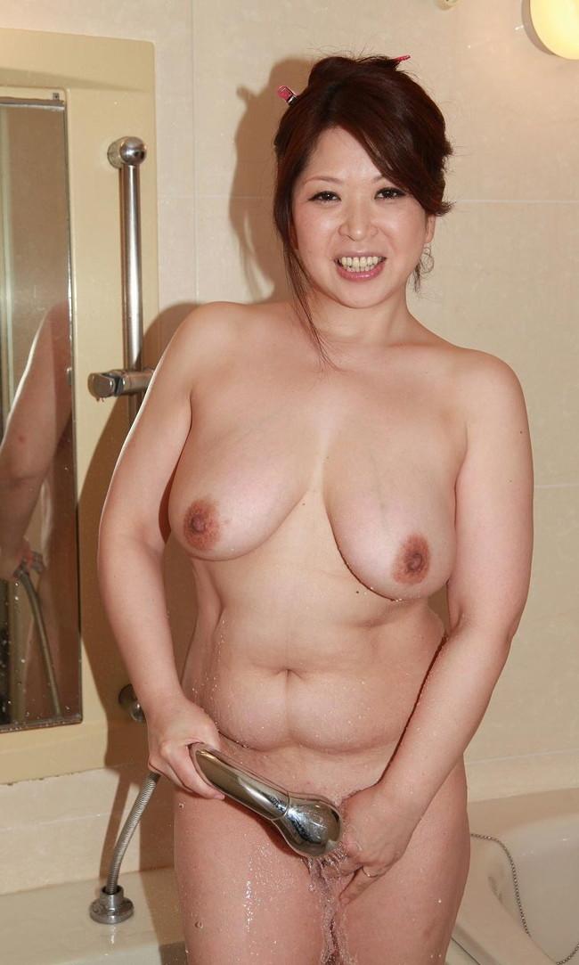 【おっぱい】かなり脂肪がくっついてしまっているファットな女性のエロ画像!【30枚】 11