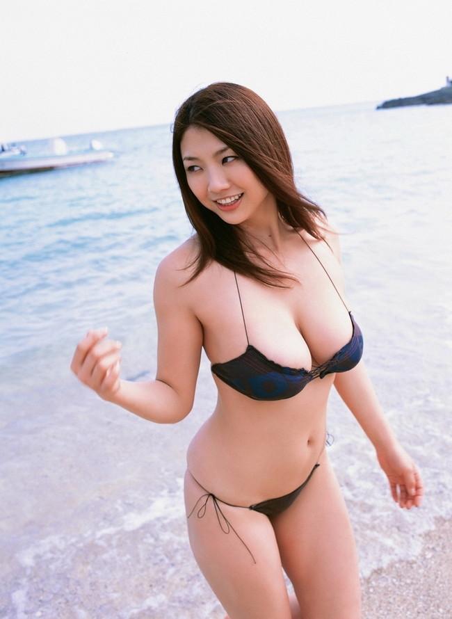 【おっぱい】反則級のおっぱいぶら下げてる水着姿の女の子【30枚】 17
