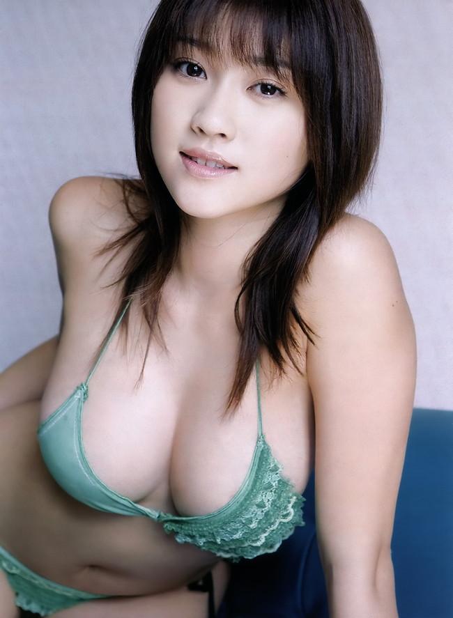 【おっぱい】顔も可愛いのにおっぱいもでっかいアイドルのエロ画像ww【30枚】 04