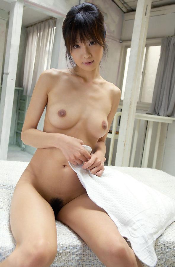【おっぱい】わがままボディ!スレンダーな巨乳美女の裸体が完璧すぎる【30枚】 11